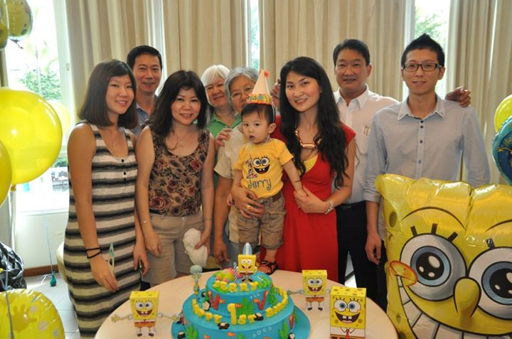 jerry-1st-birthday-extended-family-photo