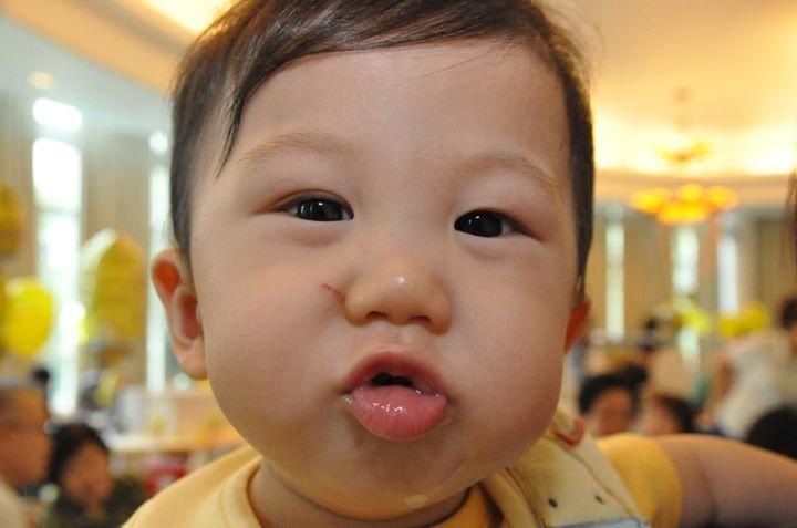 jerry-1st-birthday-kiss-me