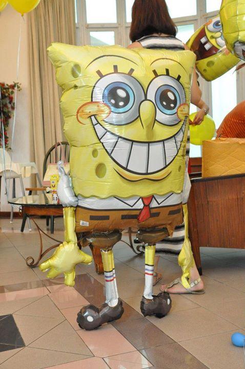 life-size-sponge-bob-at-jerry-birthday-party