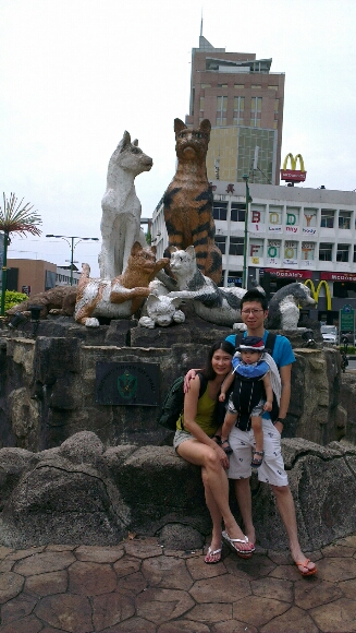 Kuching trip portrait with the kuching cat tower